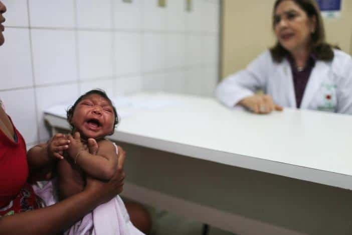 Virus Zika : la Suisse lance un registre international pour les femmes enceintes exposées